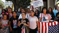 Federal judge orders U.S. border authorities to reunite families within 30 days