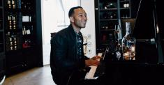 John Legend Plunges Into the Celebrity Rosé Business