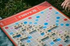 As English burns, Scrabble plays the fiddle adding 300 words like Bitcoin, botnet and emoji