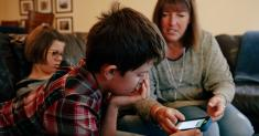 How Parents Teach Smart Spending With Apps, Not Cash