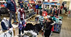 Gap Plans to Spin Off Old Navy After a Dismal Year