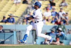 MLB roundup: Dodgers win 11-10 on Muncy walk-off double