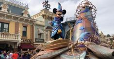 Come for the princesses and stay for the ... interpretive dance? Disneyland's new parade ups the art ante