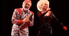 Thank you, Kenny Rogers, for the greatest karaoke duet ever, 'Islands in the Stream'