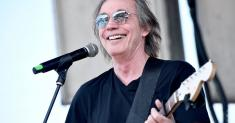Jackson Browne on testing positive for COVID-19, his condition and passing it to his son