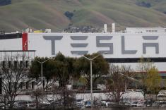Tesla aims to restart Fremont plant on Friday
