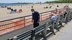 Cuomo eases ban on groups; NYC beaches open