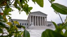 Justices rule for Trump administration in deportation case