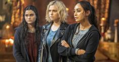 What's on TV Wednesday: 'The 100'; 'Brother vs. Brother'
