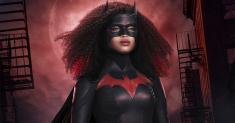 Batwoman's redesigned new Batsuit makes it clear she's a Black woman
