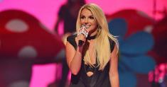 Britney Spears is 'afraid of her father,' scores small victory in conservatorship case