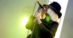 Sia says Shia LaBeouf 'conned' her into an 'adulterous' relationship