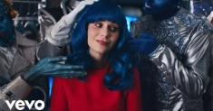 Katy Perry or Zooey Deschanel? Even they admit they could be twins