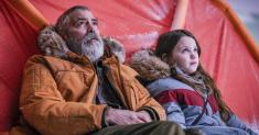 Review: In 'The Midnight Sky,' a grizzled George Clooney considers the end of the world