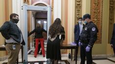 GOP lawmaker with gun sets off House chamber metal detector