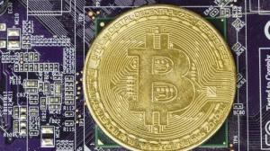 Bitcoin tops $6,400, up 12% this week