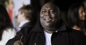 Faizon Love withdraws lawsuit over 'racist' movie poster for 'Couples Retreat'