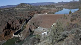 'Worst day': Water crisis deepens on California-Oregon line