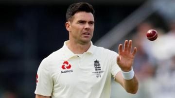 Ashes 2019: England's James Anderson to have scan on 'tight' calf