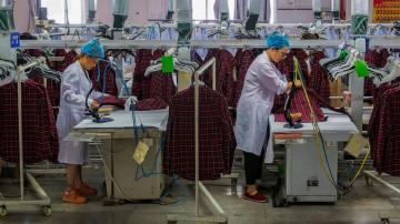 Survey: China manufacturing logs feeble growth in August