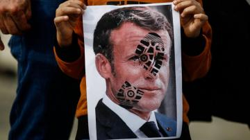 France reacts to boycott calls; Erdogan ups Macron insults