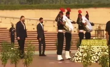 Mike Pompeo Pays Tribute At National War Memorial In Delhi