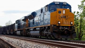 CSX profit slips in 4Q but railroad hauls 4% more freight