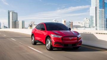 Edmunds: 2021 Ford Mustang Mach-E vs. 2020 Tesla Model Y