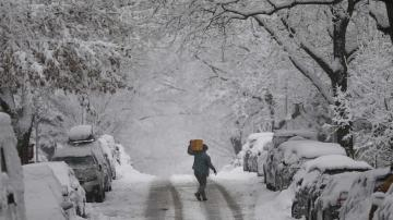 Major winter blast to worsen, bringing dangerous weather across US