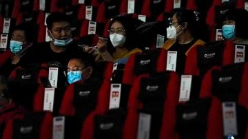 It's a smash hit! Chinese seeing films on big screens again