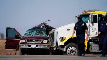 9 in SUV have major injuries in border crash that killed 13