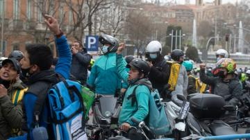 Gig economy shifts: Spain delivery riders are now employees