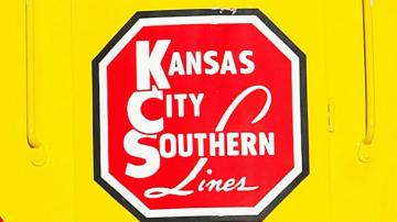Canadian Pacific attacks rival bid for Kansas City Southern