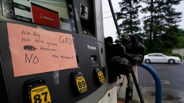 Conservatives seize on gas crunch to blame Biden, stir base