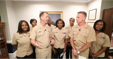 "The US Navy's New Policy on Natural Hair Is a Long Overdue ""Step Forward"""