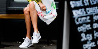 3 Ways to Style Sneakers