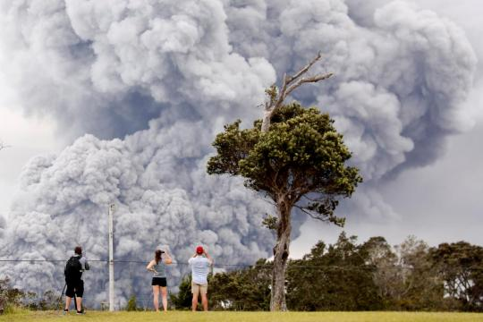 Ash fallout' alert after Hawaii volcano erupts in 30,000-foot plume