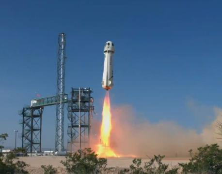 Blue Origin's New Shepard spaceship hits new heights in escape test flight