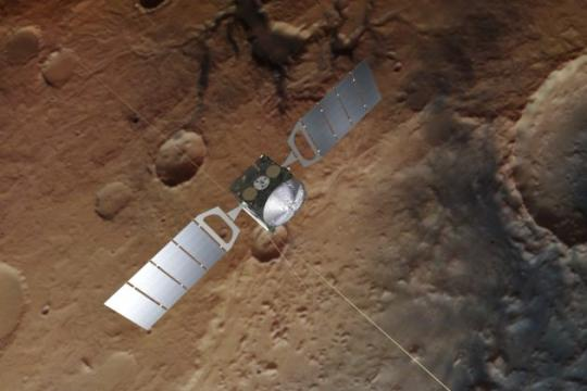 Mars Express delivers radar evidence of hidden lake at Red Planet's south pole