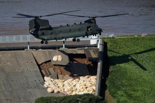 British military called in to stop dam collapsing and flooding Whaley Bridge