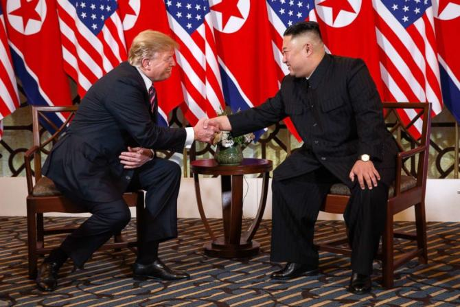 trump-kim-summit-02-ap-jef-190227_hpEmbed_2_3x2_992.jpg