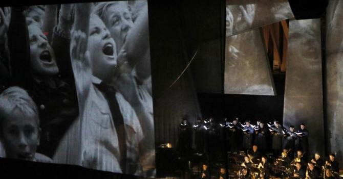 Review: Salonen leads the L.A. Phil's Weimar festival into the raw darkness of 'Nightfall'