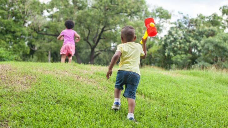 6 Great Energy-Burning Backyard Games for Little Kids