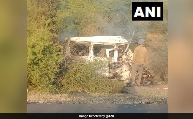7 Killed In Car-Truck Collision In Gujarat