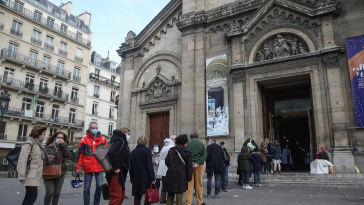 Court orders France to rethink 30-person limit on worship