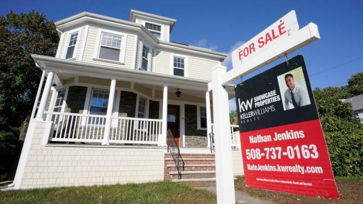 US long-term mortgage rates slip; 30-year at 2.73%
