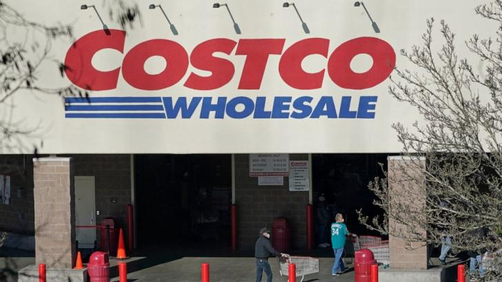 Costco 4Q profits rise, helped by pandemic shopping habits