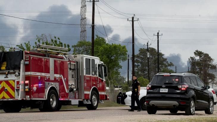 Firefighters battle Houston-area chemical fire for hours