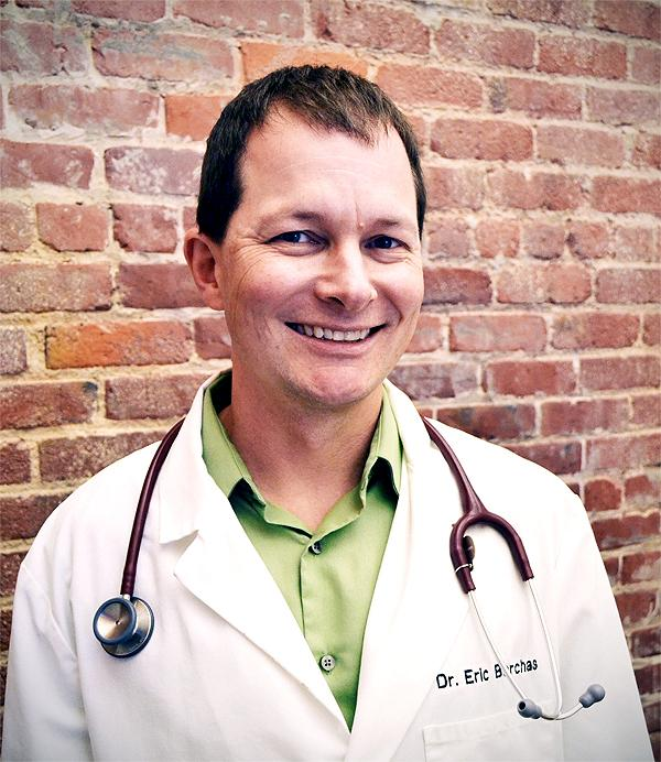 Ask a Vet: Is a Dry Cat Nose a Cause for Concern?